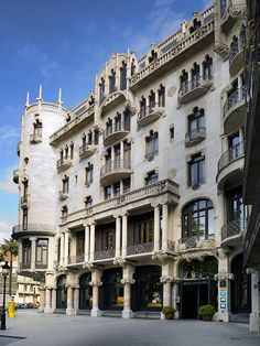 Hotel Casa Fuster (Lluís Domènech i Montaner), Jardinets de Gràcia, Barcelona.