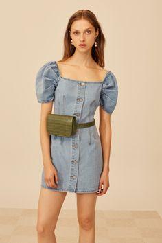 Esto es nuevo en Zara y ¡nos encanta! Vestido baby doll con