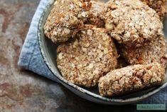 Vegan havermout koekjes met banaan   Eat.Pure.Love Healthy Sweets, Healthy Baking, Healthy Snacks, Sugar Free Baking, Vegan Muffins, Sweet Desserts, Vegan Recipes, Vegan Food, Meal Prep