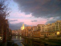 Crepúsculo en Girona :-)