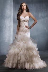 AFFORDABLE WEDDING DRESSES FOR YOUNG COUPLE