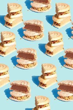 Ice cream sandwiches back in scoop shops.Come and get 'em. Food Photography Styling, Food Styling, Sweets Photography, Photo Food, Pattern Photography, Food Patterns, Food Wallpaper, Chocolate Hazelnut, Food Illustrations