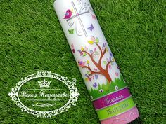 """**Taufkerze Lebensbaum m. Untergrund """"Das Original©**  **Größe/Artikelnummer/Farbe** Taufkerze Rund 27 x 7 cm Taufkerzen Modell TK401 Pink-Apfelgrün-Rosa-Flieder Flitter  Verwendete..."""