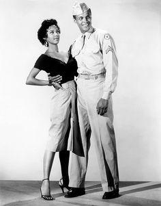 Dorothy Dandridge and Harry Belafonte in ''Carmen Jones'', 1954 ^Vintage beauty🙆😘😏 Damn! My black is Beautiful. Harry Belafonte, Dorothy Dandridge, Vintage Hollywood, Hollywood Glamour, Classic Hollywood, Black Is Beautiful, Beautiful Models, Vintage Black Glamour, Vintage Beauty