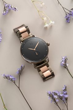 The most innovative watches you'll ever own. Choose your perfect style from our fashion designed collection of women's quartz wristwatches meeting latest trends. Mvmt Watches, Big Watches, Cool Watches, Watches For Men, Trendy Watches, Modern Watches, Wrist Watches, Horse Watch, Elegant Watches