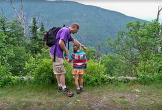 A family hike in the notch