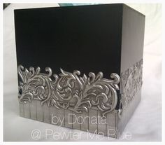 Tissue box by Donata, www.fb.com/mimmicgalleryandstudio www.mimmic.co.za Pewter Art, Pewter Metal, Aluminum Foil Crafts, Embossing Techniques, Metal Embossing, Decoupage Box, Silver Work, Etchings, Recycled Art