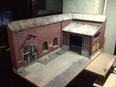 Diorama (détails) Usine abandonnée (avec sol et carton plume canson) 1/24