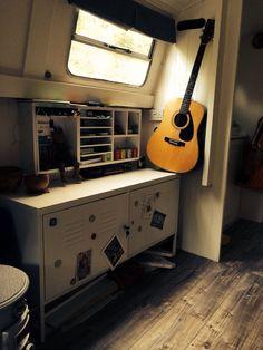 40ft Narrowboat with nice wood flooring