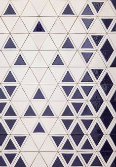 From David Pompa Alarcón's Mexico/Austria-based studio, Triango tiles manufactured by Uriarte Talavera. Very cool, very simple and useable. Floor Patterns, Tile Patterns, Textures Patterns, Floor Design, Tile Design, Pattern Design, Backsplash Design, Kitchen Backsplash, Stone Tiles
