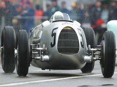 Auto Union Type C - 1936 Car at Donau Ring 2002 - - Wallpaper Grand Prix, Le Mans, Mini Velo, Audi, Auto Union, Old Race Cars, Vintage Race Car, Car And Driver, Formula One