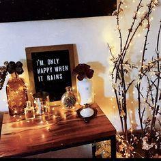 Fairy Lights With Rustic Decor - Riley Alvarez Rustic Industrial Decor, Rustic Fall Decor, Boho Decor, Studio Apartment Decorating, Interior Decorating, Decorating Ideas, Black Painted Walls, Small Apartment Living, Paris