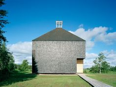 Built by OOPEAA in Kärsämäki, Finland with date Images by Jussi Tiainen. The first church in the parish of Kärsämäki was completed in A beautiful site on the riverbank was chosen as a . Religious Architecture, Church Architecture, Sacred Architecture, Contemporary Architecture, Architecture Design, Architecture Religieuse, Modern Church, Architectural Section, Beautiful Sites