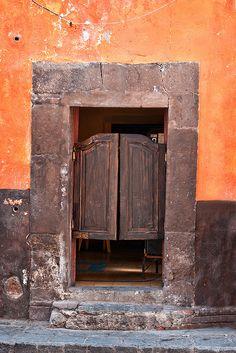 San Miguel de Allende, Guanajuato. México  La cantina