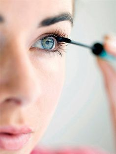 How to Apply Mascara - How to Make Your Eyes Look Bigger