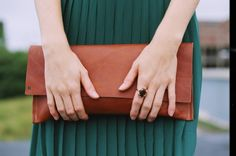 ANNIE WILLIAMS - PHOTO: NICOLE IRENE  pebbled cognac clutch