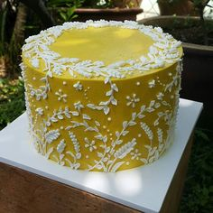 Beautiful buttercream cake with hand-piped detail. By Hayati Abd Rahim Pretty Cakes, Cute Cakes, Beautiful Cakes, Amazing Cakes, Bolo Cake, Fancy Cakes, Creative Cakes, Cakes And More, Cake Art