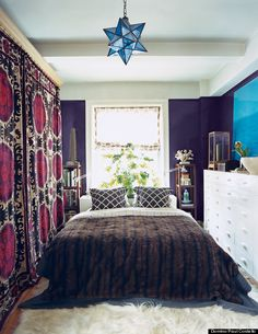 How to decorate a small bedroom. nyc living