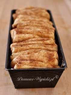 Cinnamon yeast dough to peel off- Cynamonowe ciasto drożdżowe do odrywania Cinnamon yeast dough to peel off - Sweet Recipes, Cake Recipes, Dessert Recipes, Delicious Desserts, Yummy Food, Weird Food, Polish Recipes, Love Food, Bakery