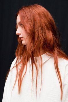 Fashion Week's Best Backstage Beauty Snaps