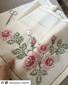 Cross Stitch Borders, Cross Stitch Rose, Cross Stitch Charts, Hand Embroidery Art, Embroidery Stitches, Embroidery Designs, Crochet Bedspread, Bargello, Christmas Cross