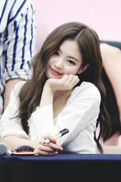 Black Pink Yes Please – BlackPink, the greatest Kpop girl group ever! Blackpink Jennie, Kpop Girl Groups, Kpop Girls, Korean Girl, Asian Girl, Square Two, Black Pink Kpop, Blackpink Photos, Blackpink Fashion