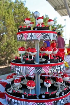 Pirate cake pops in pirate ship cupcakes