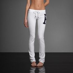 A&F Skinny Sweatpants from Abercrombie & Fitch. Saved to realllly want. Hollister Sweatpants, Cute Sweatpants, Lazy Day Outfits, Cool Outfits, Honeymoon Outfits, Yoga Pants Outfit, Comfortable Outfits, Swagg, Sport Outfits