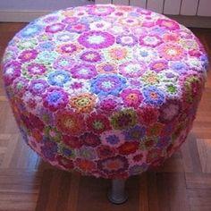 Crochet Flower footstool by fperezajates. it's just fun! Crochet Home Decor, Crochet Crafts, Yarn Crafts, Crochet Projects, Love Crochet, Crochet Granny, Crochet Flowers, Knit Crochet, Irish Crochet