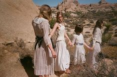 © Gia Coppola, A Dream Within A Dream pour Gucci. Gia Coppola, Peter Weir, Picnic At Hanging Rock, The Truman Show, Dream Photography, Sibling Photography, Gucci, Rowan Blanchard, Song Of Style