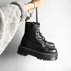 Beauty is pain is the only way I can describe these shoes .- Beauty is pain is the only way I can describe these shoes ☹️😻 Jadon Dr.Martens from Soraya Schuh - Dr. Martens, Doc Martens Stiefel, Doc Martens Boots, Dr Martens Jadon, Doc Martens Black, Sock Shoes, Cute Shoes, Me Too Shoes, Shoe Boots