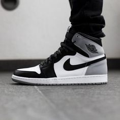 Jordan 1 Retro Barons - Funny Tutorial and Ideas Jordan Shoes Girls, Air Jordan Shoes, Girls Shoes, Sneakers Fashion, Fashion Shoes, Shoes Sneakers, Mens Fashion, Retro Fashion, Nike Air Jordan