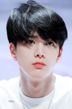 Find images and videos about the boyz, p:fantaken and younghoon on We Heart It - the app to get lost in what you love. Kim Young Min, Facial Proportions, Kim Sun, Fandom, Star Awards, Lee Sung, Korean Celebrities, Celebs, Pop Singers