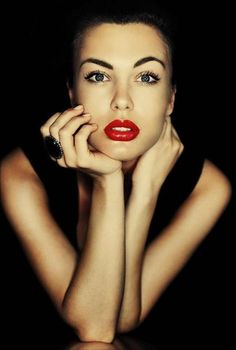 classic red lips