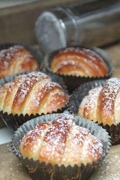 Lurbullar No Bake Treats, No Bake Desserts, Delicious Desserts, Dessert Recipes, Baking Recipes, Cookie Recipes, Coffee Bread, Pause Café, Sweet Dough