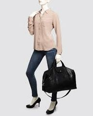 Its time for your little one to shine in a sparkling pair of Longchamp bag celebrity. Spending less money but enjoy so much Shop now! Longchamp, Summer Outfits Women, Winter Outfits, Fashion Outfits, Womens Fashion, Fashion Trends, Woman Outfits, Usa Shoes, Africa Fashion