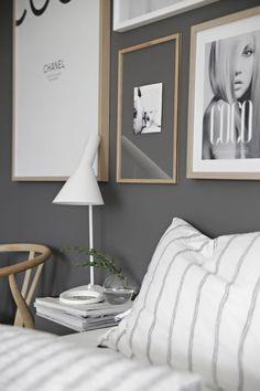 13 Cool Gray Bedroom Ideas to Your Bedroom - Bedroom Design Grey And Gold Bedroom, Gray Bedroom, Grey Walls, Modern Bedroom, Master Bedroom Interior, Home Bedroom, Bedroom Decor, Bedroom Ideas, Bedroom Frames