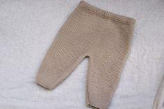 DIY Conjunto bebé parte 1: Como hacer pantalones de lana (patrones) Baby Knitting, Crochet Baby, Knit Crochet, Crochet Abbreviations, Diy, Pablo Neruda, Babies, Cardigan Sweater Outfit, Gowns