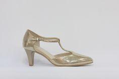 taneční obuv, společenská večerní obuv, lodička ve zlaté barvě, svršek i stélka kožená, středové T, pásek okolo kotníku, podpatek      4,5 cm, k dostání ve Střevíce a více,