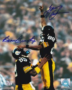Featured is a dual-signed Bennie Cunningham/Lynn Swann Pittsburgh Steelers photo. This photo was hand-signed at a private signing and comes with the JSA hologram. In their careers, both Cunningham and Swann were Super Bowl champions with the Steelers. Steelers Pics, Pittsburgh Steelers Football, Pittsburgh Sports, Steelers Stuff, Football Team, Steelers Merchandise, Lynn Swann, Pittsburgh Steelers Wallpaper, Nfl Football