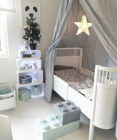 Star + Lego + grey Source by Baby Bedroom, Baby Boy Rooms, Girls Bedroom, Baby Decor, Kids Decor, Home Decor, Kids Room Design, Kid Spaces, Kids Furniture