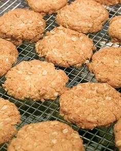 April is ANZAC day. This cookie was popularized by World War I care packages to soldiers of the Australia New Zealand Army Corps (ANZAC), since they could be made without eggs, and they kept well on the overseas voyage to Europe. Cookie Recipes, Dessert Recipes, Desserts, Brunch Recipes, Dessert Ideas, Coconut Biscuits, Anzac Biscuits, Dog Biscuits, Martha Stewart Recipes