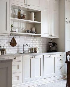 Absolutely incredible! via @iDesignArch #scandinavian #kitchen #minimalist #simplicity #whiteliving