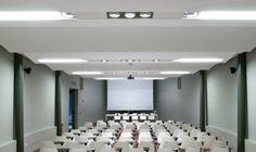 Proyecto Auditorio, iluminación técnica con Norlight, modelo OnOff. Diseño para oficinas, restauración, hoteles y contract. (Espacio Aretha agente exclusivo para España)