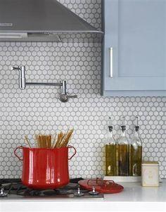 5 Favorites: Penny-Round Tile Backsplash