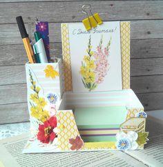 Cardboard Box Crafts, Newspaper Crafts, Paper Crafts Origami, Diy Box Organizer, Diy Storage Organiser, Craft Gifts, Diy Gifts, Post It Note Holders, Creative Box