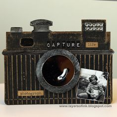 Sizzix Inspiration | Vintage Camera Card by Anna-Karin Evaldsson
