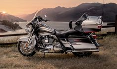 Harley-Davidson CVO Ultra Classic® Electra Glide -- Top of the line Grand American Touring as only Harley-Davidson® does it. From power to premium features—when you want it all, this is the bike that brings it. Harley Davidson Cvo, Harley Davidson Street Glide, Harley Davidson For Sale, Harley Davidson Birthday, Harley Davidson Motorcycles, Harley Bikes, Harley Davidson Ultra Classic, Moto Logo, Classic Motorcycles For Sale
