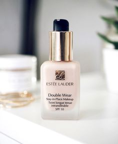 estee lauder double wear foundation- the best long-wearing foundation especially for oily skin types