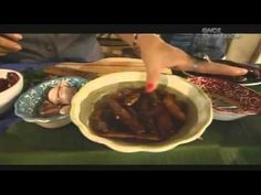 Cerdo en Salsa de Tamarindo, La Ruta del Sabor, Iguala Guerrero - YouTube Mexican Pork Dishes, Mexican Food Recipes, Latin American Food, Peruvian Recipes, Great Recipes, Beef, Cooking, Spanish 1, Youtube